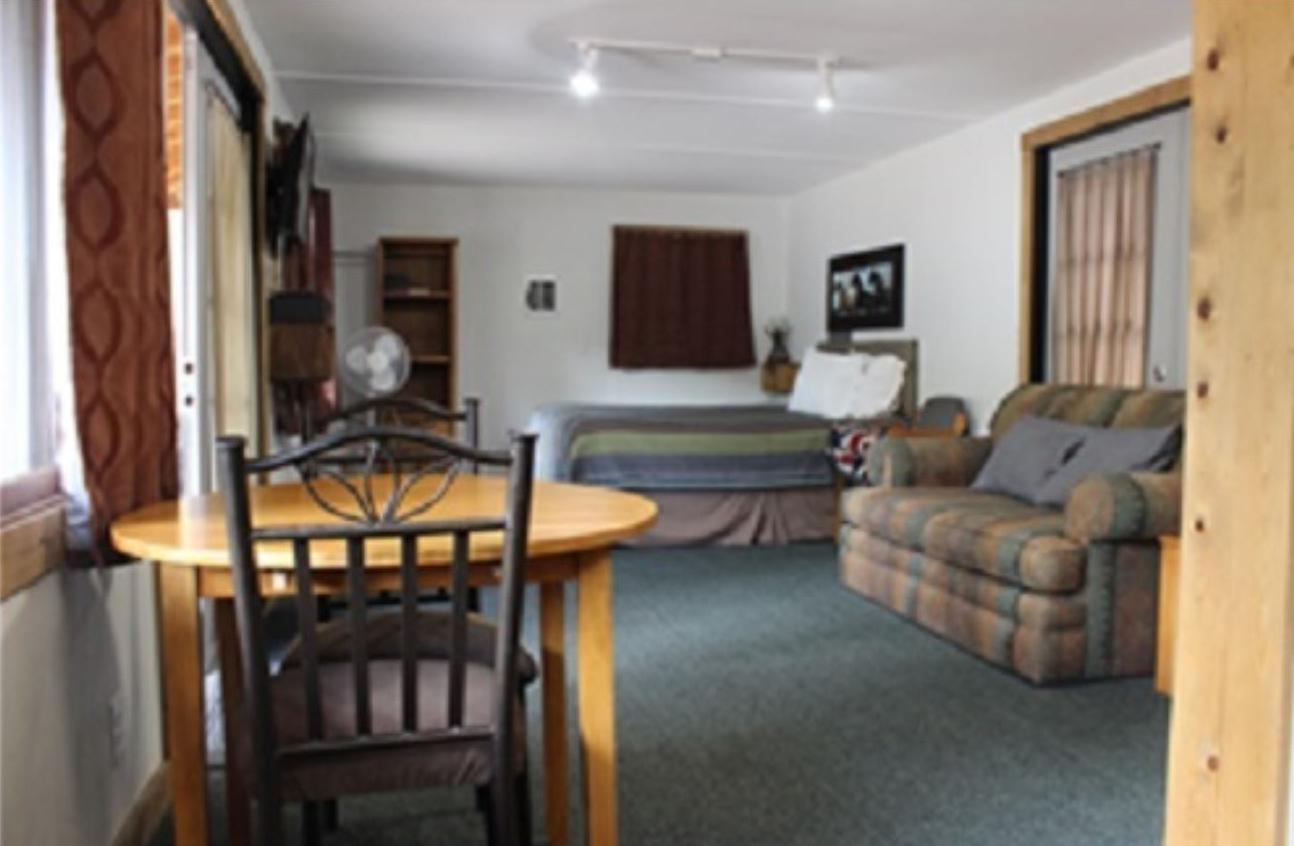 Antler Cabin - The Pine Lodge - San Isabel Lake - Rye Colorado